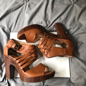 Sofft leather faux wood heels